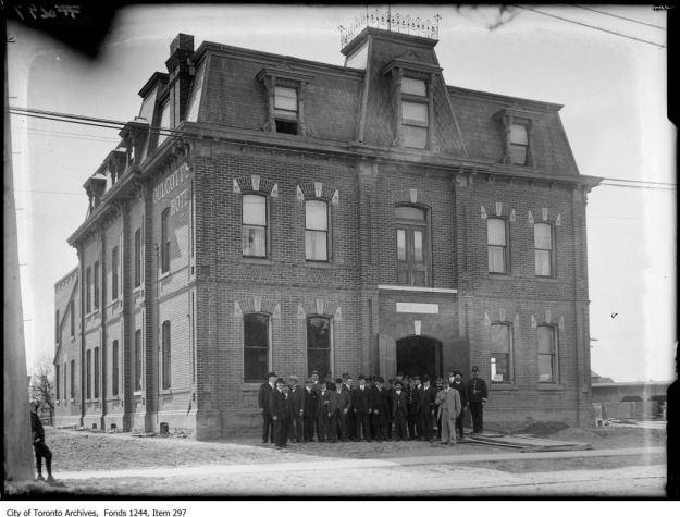 North Toronto Postal Service Station K, Yonge Street. - [between 1912 and 1920]