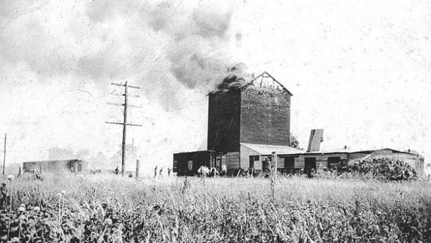Nashville_Grain_Elevator_Fire_1927_M009.8___Gallery