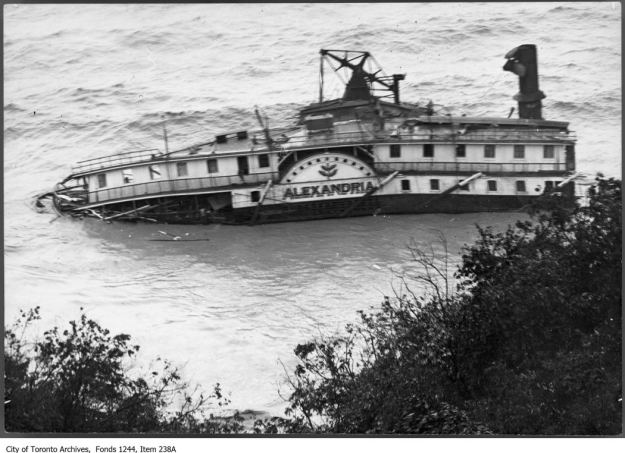 Wreck of the ferry Alexandria, Scarborough Bluffs. - August 2, 1915