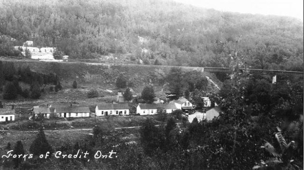 Forks_of_Credit_c.1928_-_Looking_south_across_Forks_of_Credit_Rd_toward_quarry_workers_cottages_west_of_Chisholm_St._-_Peel_Archives___Gallery